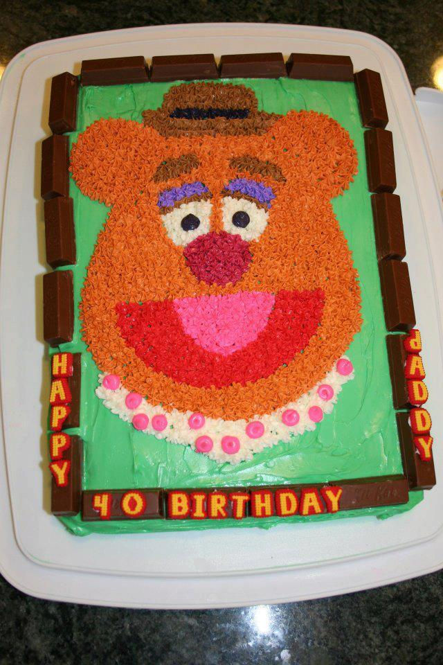 Fozzie Bear from the Muppets in cake form