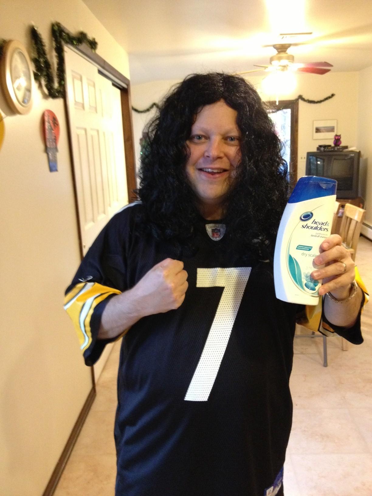 The Best Treat on Halloween - Browns Fan Dresses Up As Troy Polamalu