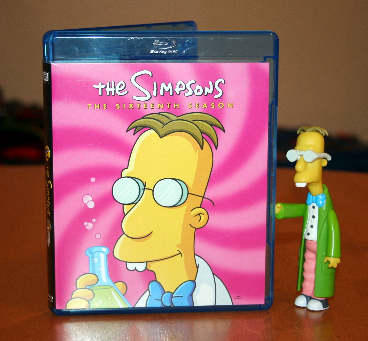 D Oh I Review The 16th Simpsons Season On Blu Ray Mommy S Busy Go Ask Daddy