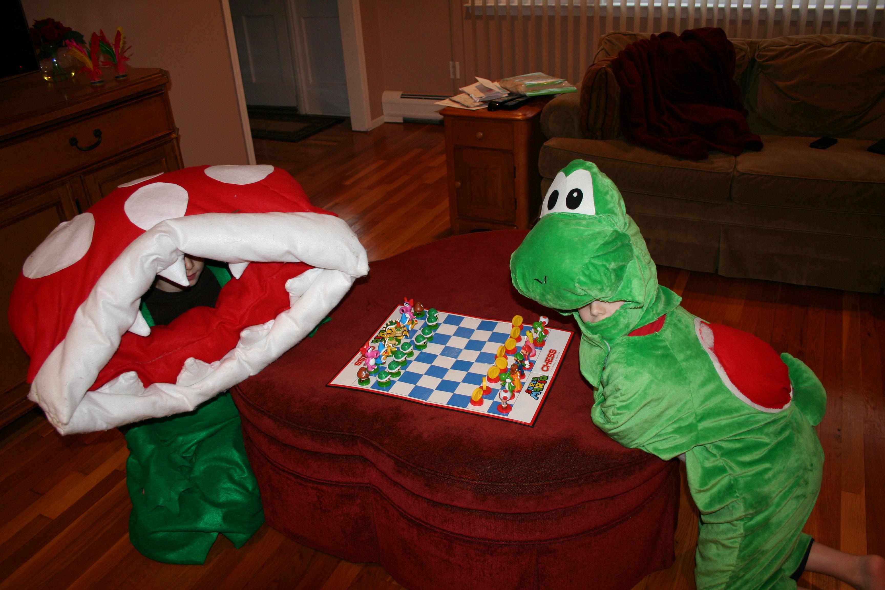 Super Mario Chess Yoshi Piranha Plant