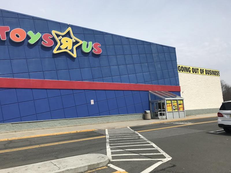 Toys R Us closeout sale